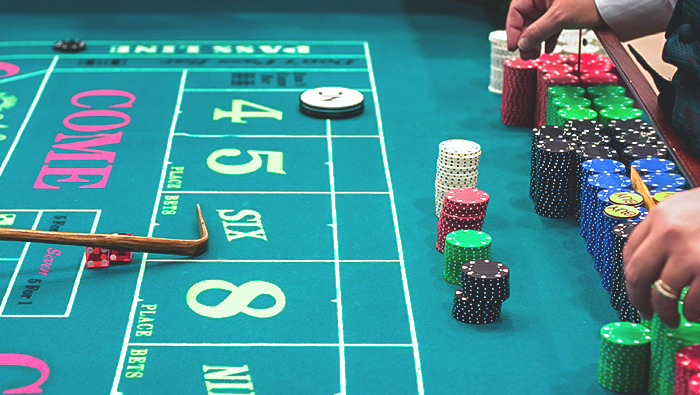 Play Craps Online: An Introduction to Hedge Bets