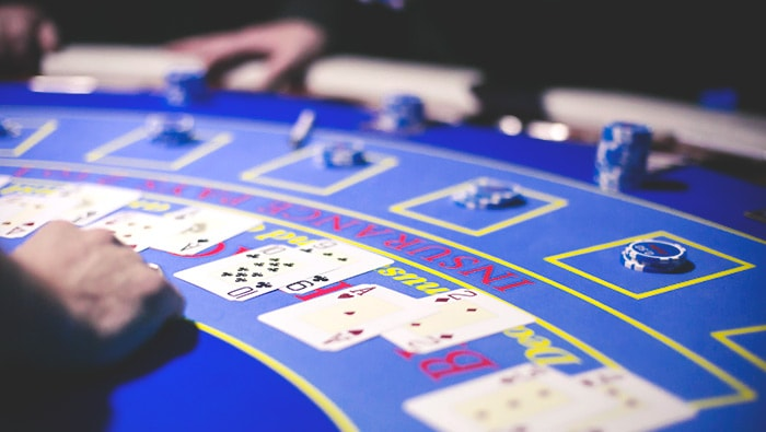 Introduction to Blackjack: Learn to Play Blackjack and other Table Games Online